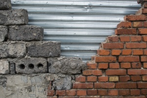 wall in the process of Masonry Restoration